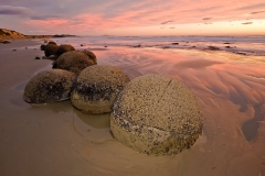 Moeraki-boulders-at-dawn-10d