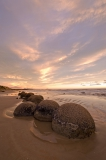 Moeraki-boulders-at-dawn-10q