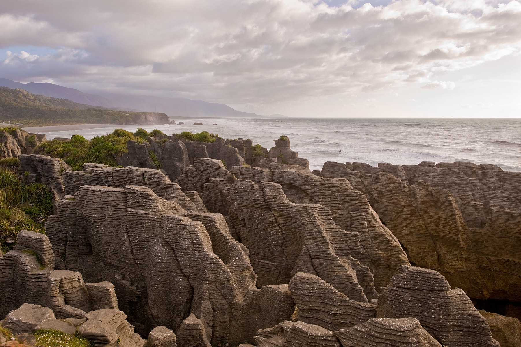 Paparoa-NP-Pancake-Rocks-at-dawn-1a-