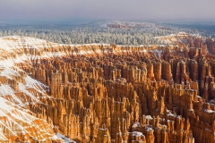 Bryce-amphitheater-with-snow-1a