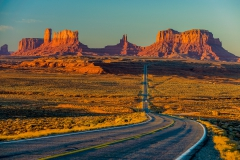 Monument-Valley-and-road-1b